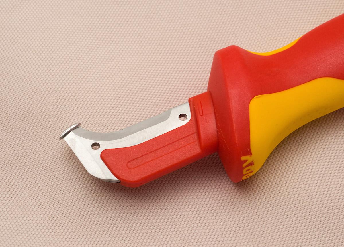 нож для снятия изоляции с проводов