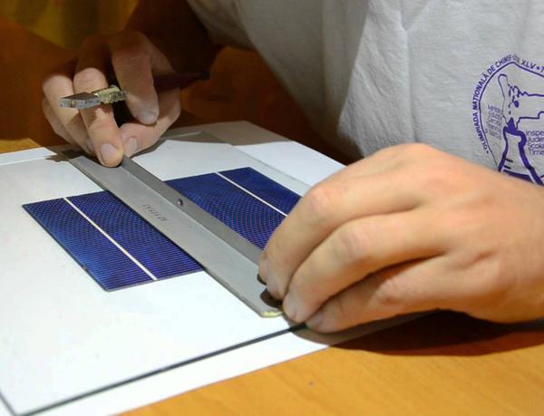 Чтобы правильно выполнить пайку солнечных элементов, стоит предварительно посмотреть обучающее видео