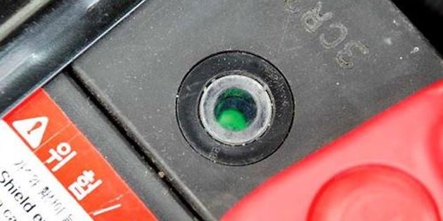 Как правильно заряжать аккумулятор автомобиля: встроенный индикатор заряда