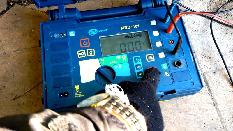 щупы мультиметра для проверки светодиодов в елочной гирлянде