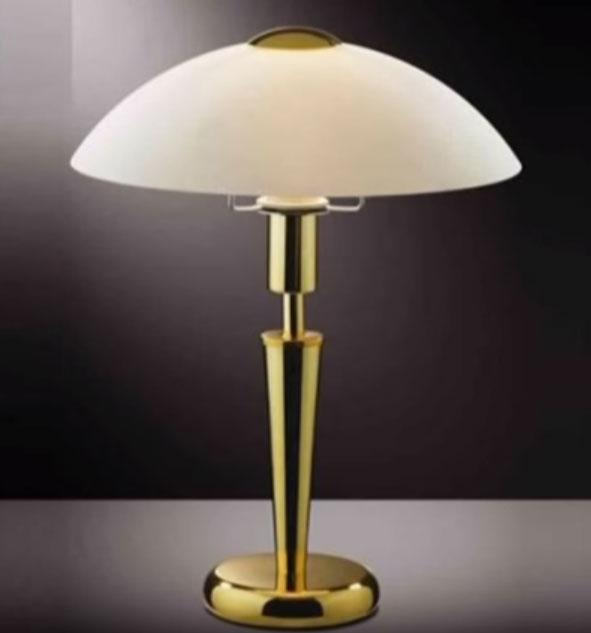 почему плоские плафоны не подходят для настольной лампы на рабочий стол