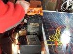 Шаг 3 – подключение проводов к аккумулятору