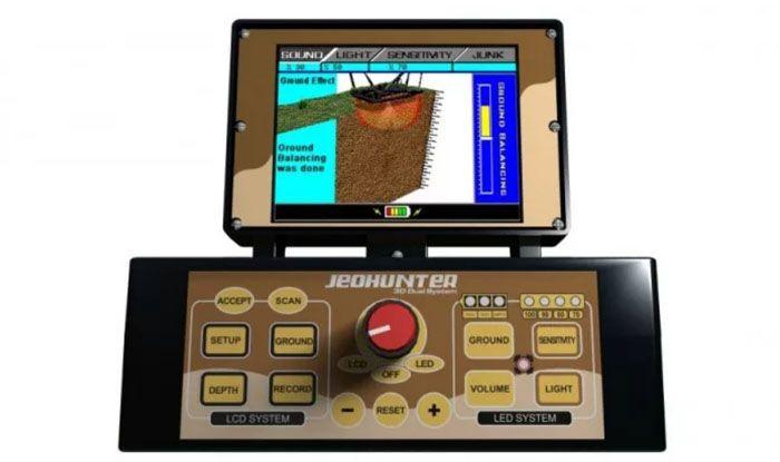 Монитор глубинного детектора Jeohunter 3D показывает то, что у вас под ногами в режиме реального времени