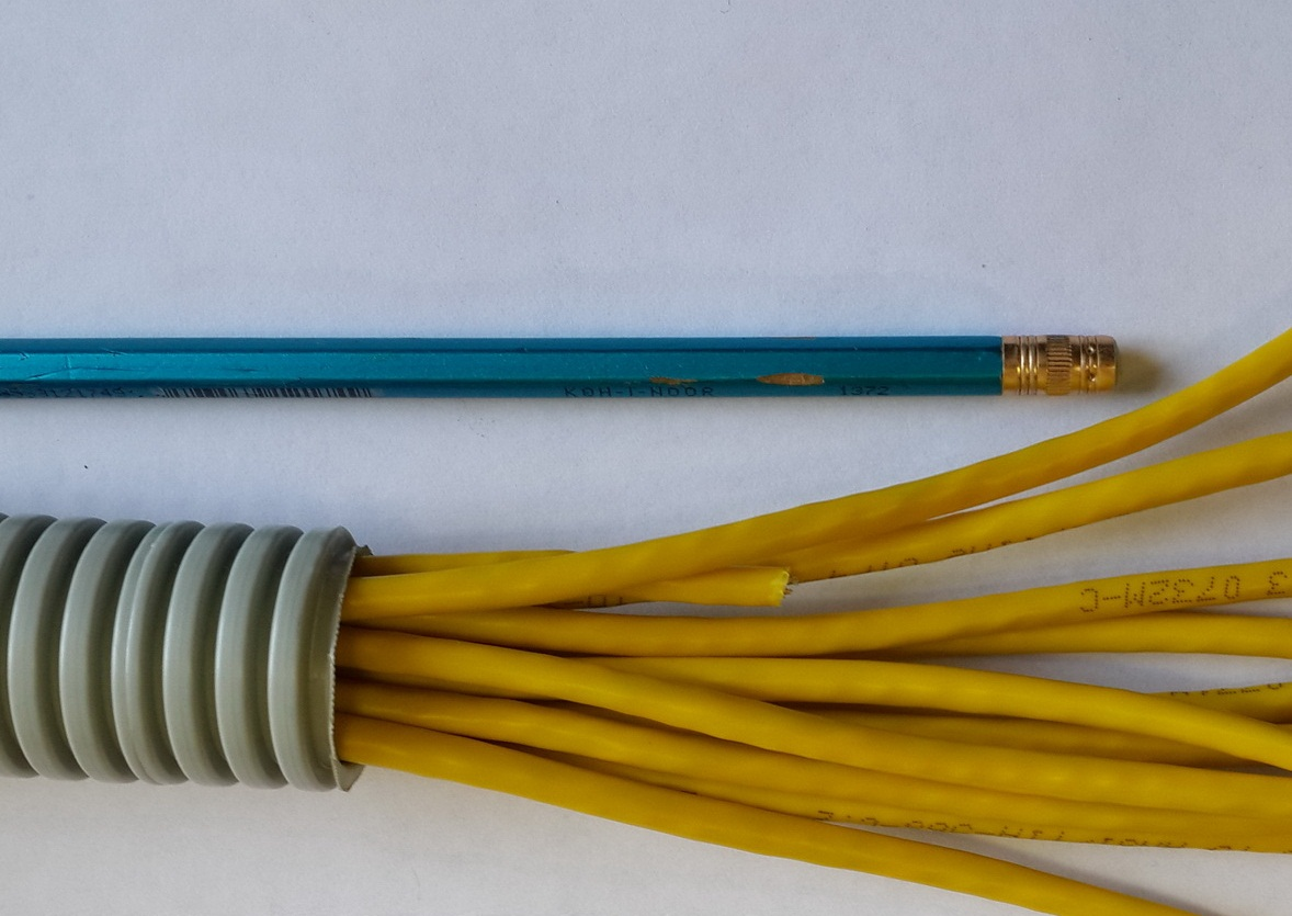 По правилам пожарной безопасности кабель ВВГНГ рекомендуется помещать в гофру