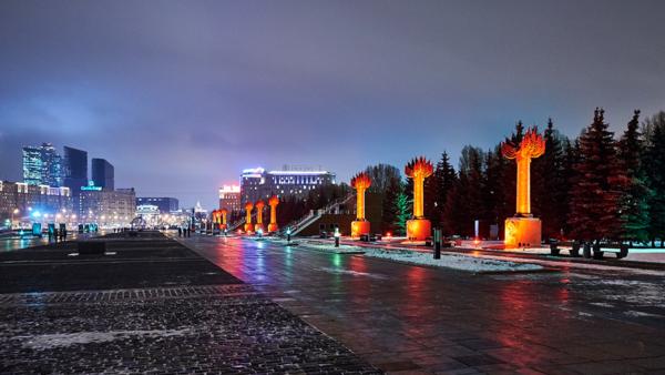 Москва, Поклонная гора, Парк Победы, Главная аллея, Памятные стелы Фронтам и флотам ВОВ 1941-1945гг,