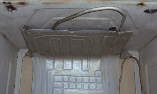 Морозильная камера из старого холодильика