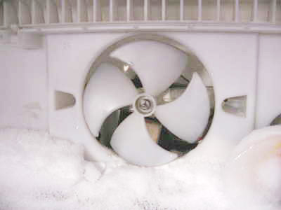 Обмерз вентилятор холодильника