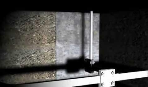 Демонстрация эффективности линзы Френеля. Промежуточная линза размещается между светодиодом и линзой Френеля для того, чтобы уменьшить потери света