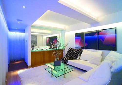 Комната с подсветкой. Прекрасная освещённость