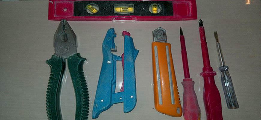 инструменты для подключения выключателя