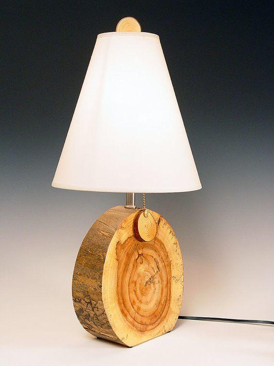 nastolnaya-lampa-iz-podruchnyx-sredstv560