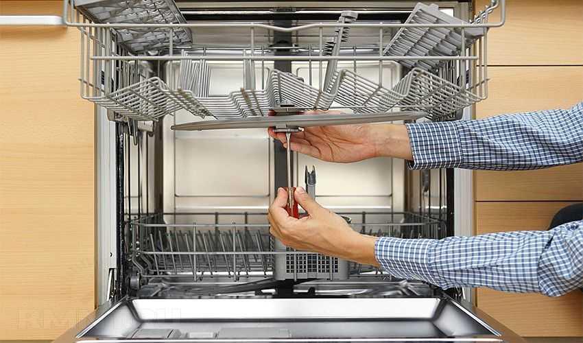 Посудомоечная машина не набирает или не сливает воду - с причинами можно разобраться самостоятельно