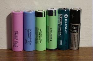 Как определить плюс и минус у батарейки