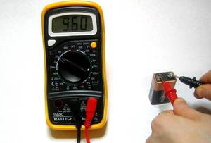Как прозвонить конденсатор мультиметром