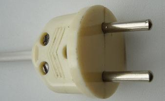 Электрическая вилка советского стандарта