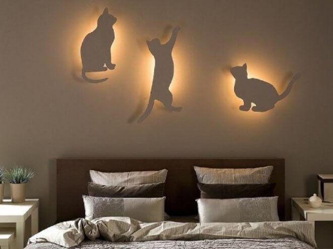 Светящиеся животные над кроватью