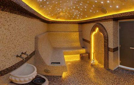 Оптоволоконное звездное небо в турецкой бане