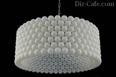 Светильник из пластиковых шариков