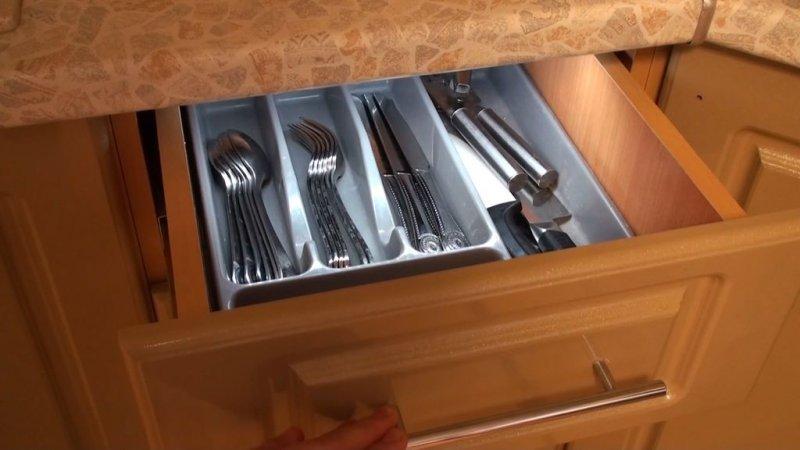 Автоматическая подсветка в шкафчиках