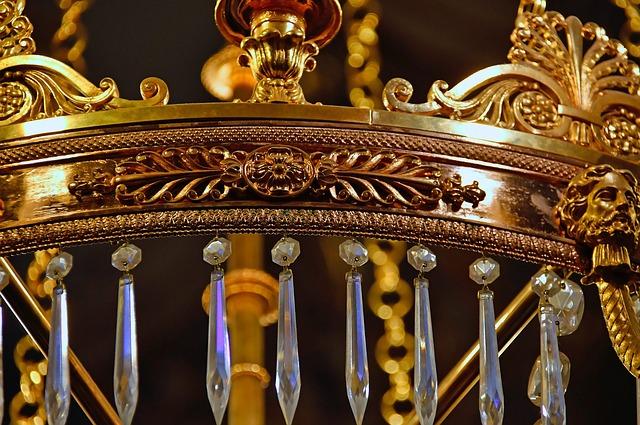 Как почистить хрустальную люстру не снимая, средства для мытья хрустальных люстр