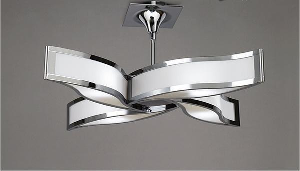 Гипсокартон обладает прочными механическими свойствами, поэтому крепление небольших осветительных приборов осуществляют непосредственно на поверхность материала