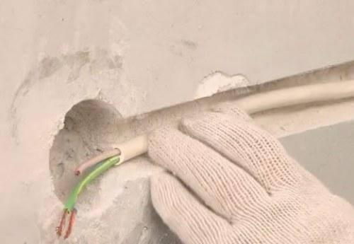 Два провода от электропроводки