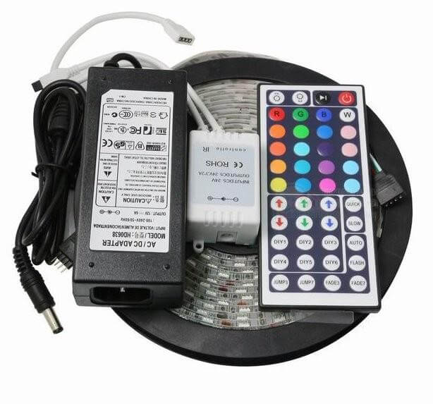 Фото комплекта светодиодного освещения с дистанционным пультом