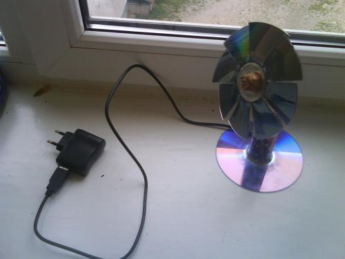 Как сделать USB вентилятор из подручных средств?
