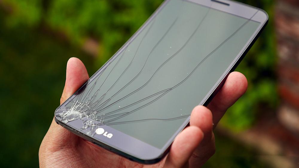Внешнее повреждение телефона