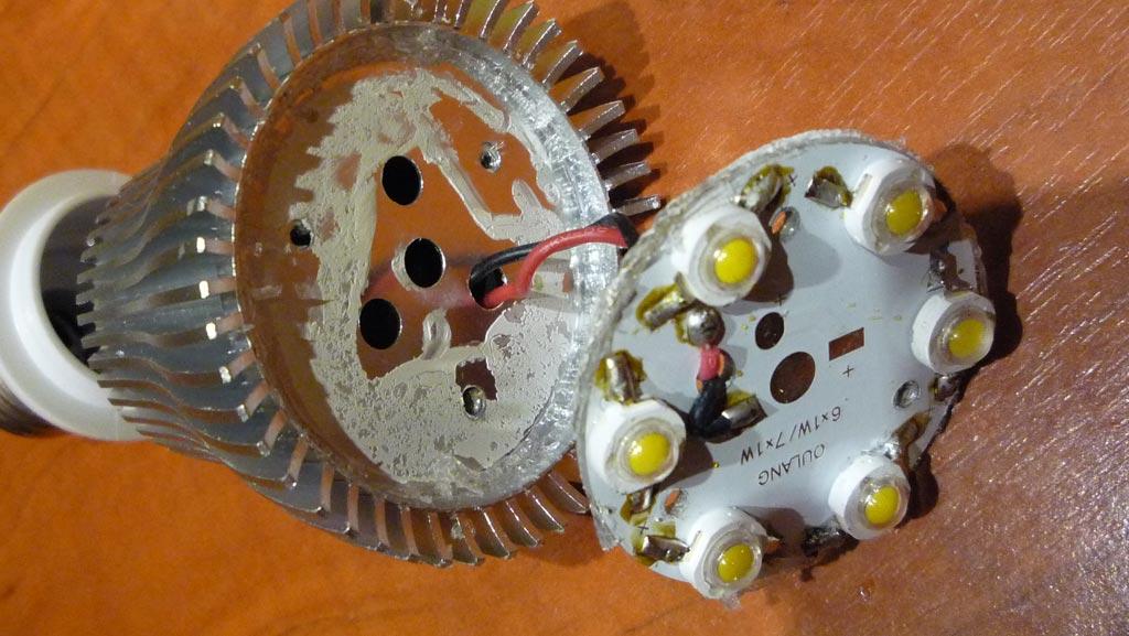 Замена термопасты в светодиодной лампе