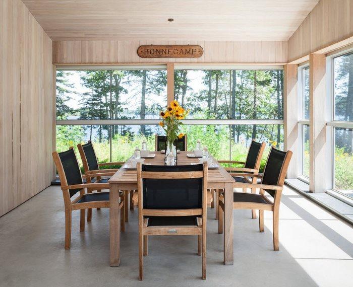 Дизайн обеденной зоны на дачной веранде